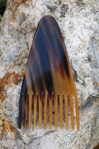 A Natural Spa Supplies Triangular Horn Comb