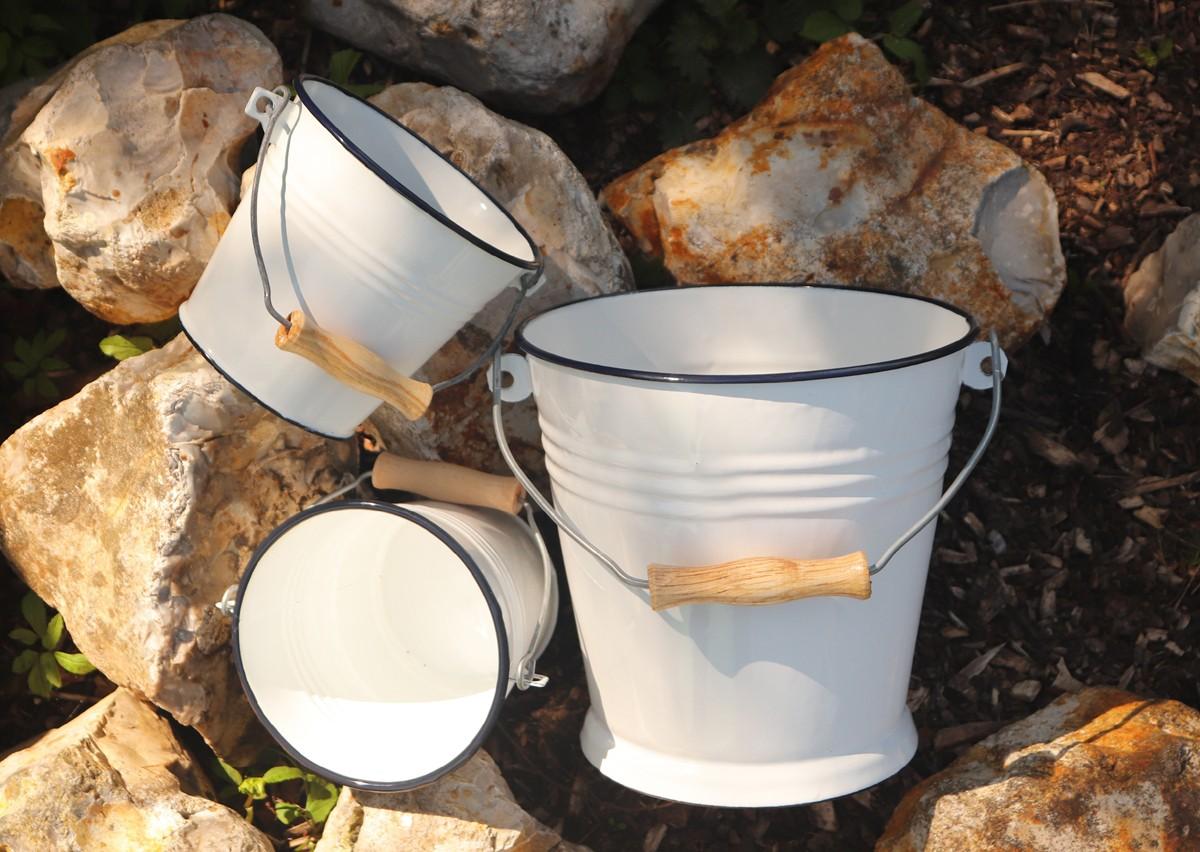 3 enamel buckets rec